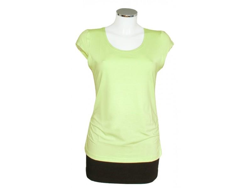 jednobarevné zelenkavé tričko