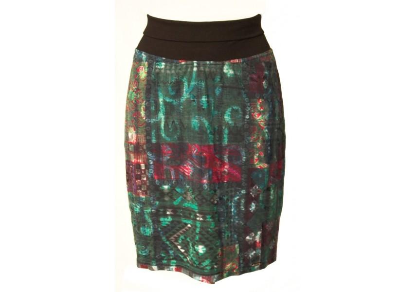 Barevná úzká sukně