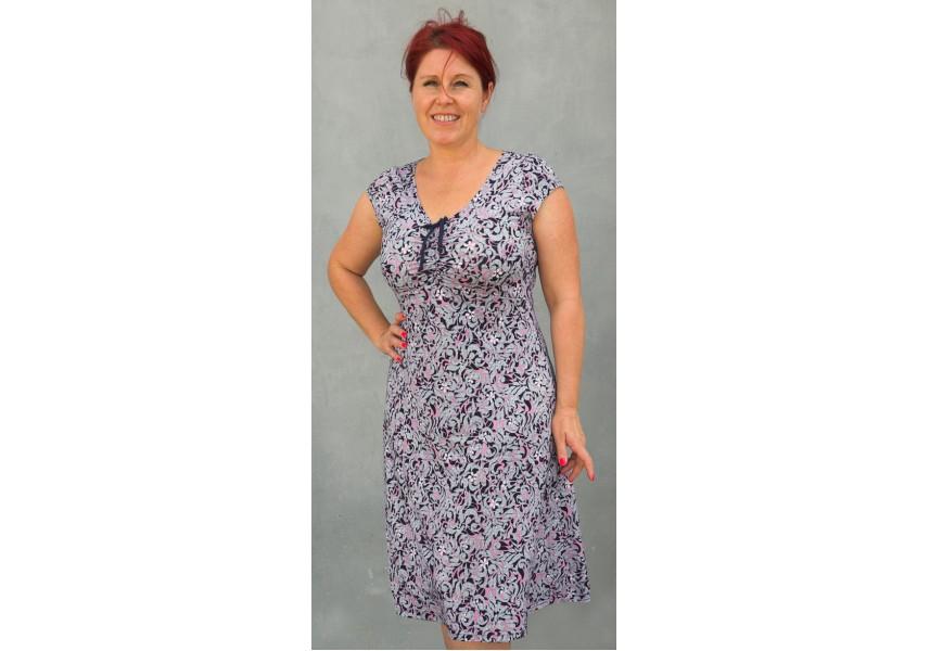 Šaty s černo-růžovo-bílým vzorem