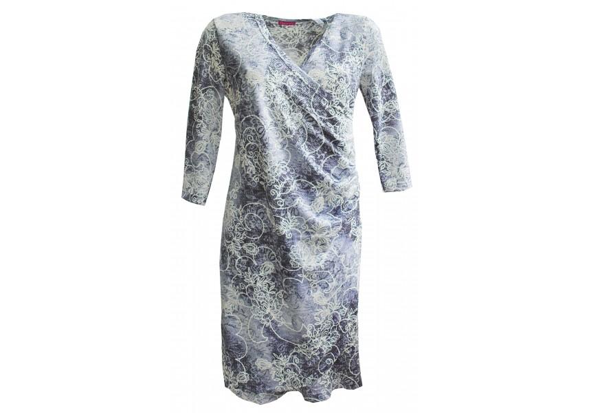 Úpletové šaty s překládaným předním dílem