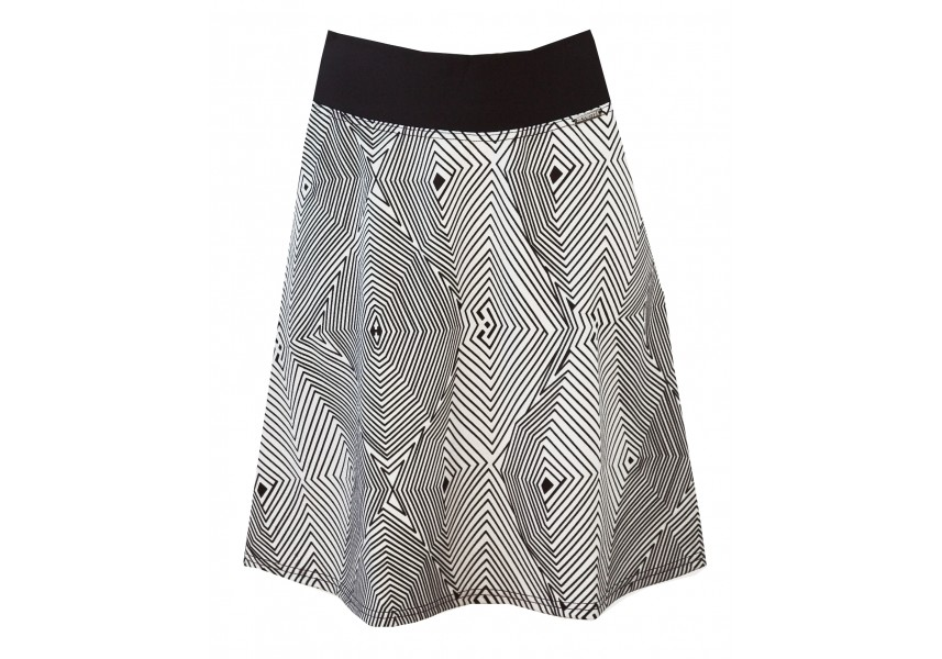 Krátká sukně s geometrickým vzorem