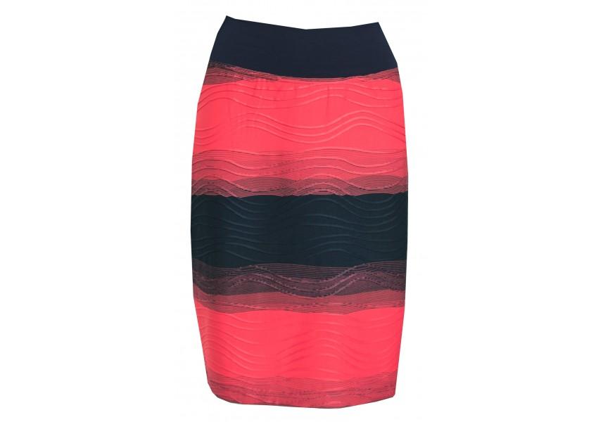 Červeno-modrá pruhovaná sukně