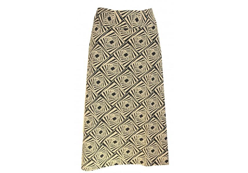 Teplejší sukně s geometrickým vzorem