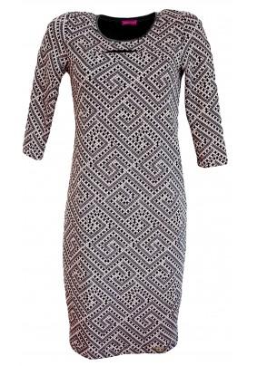 Společenské šaty s geometrickým vzorem