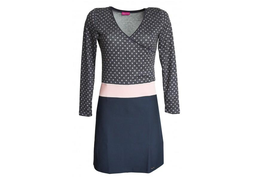 Šaty s růžovými puntíky