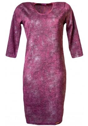 Hladké šaty ve vínové barvě s tiskem