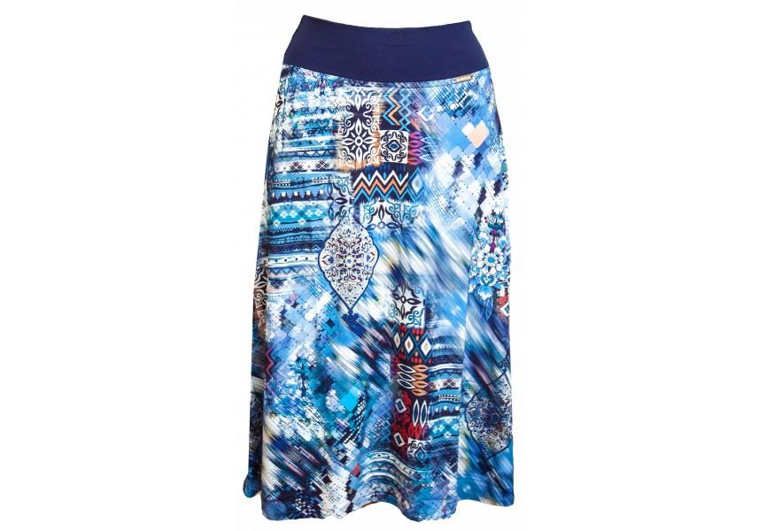 Modrá sukně pod kolena se vzorem