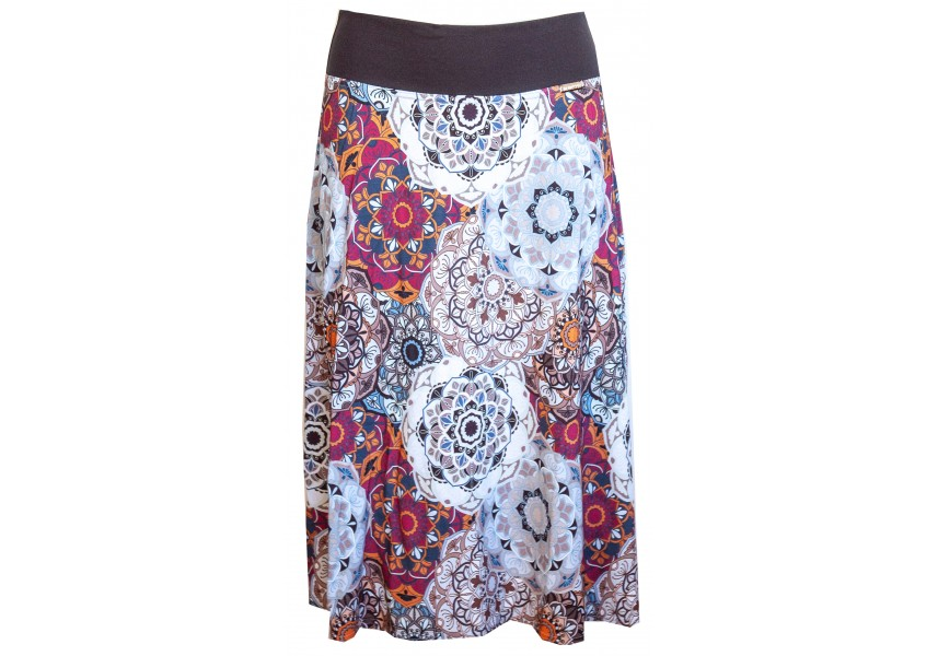 Delší sukně s módním vzorem