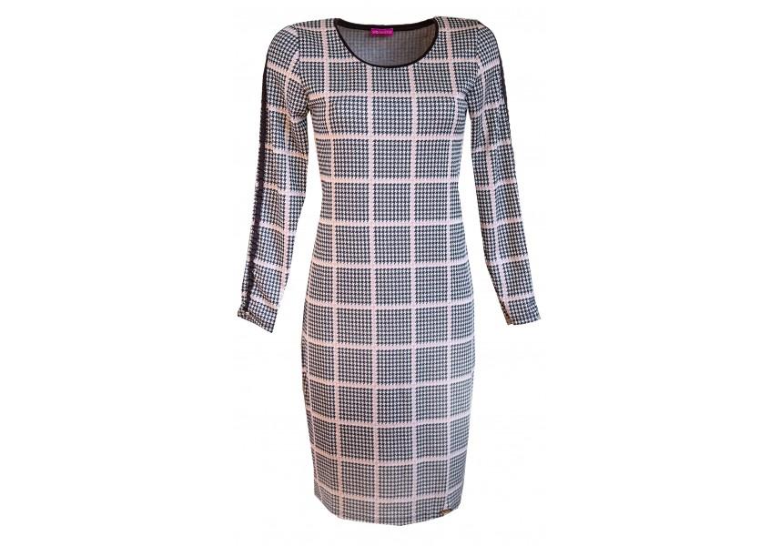 Klasické jednoduché šaty s kostkou