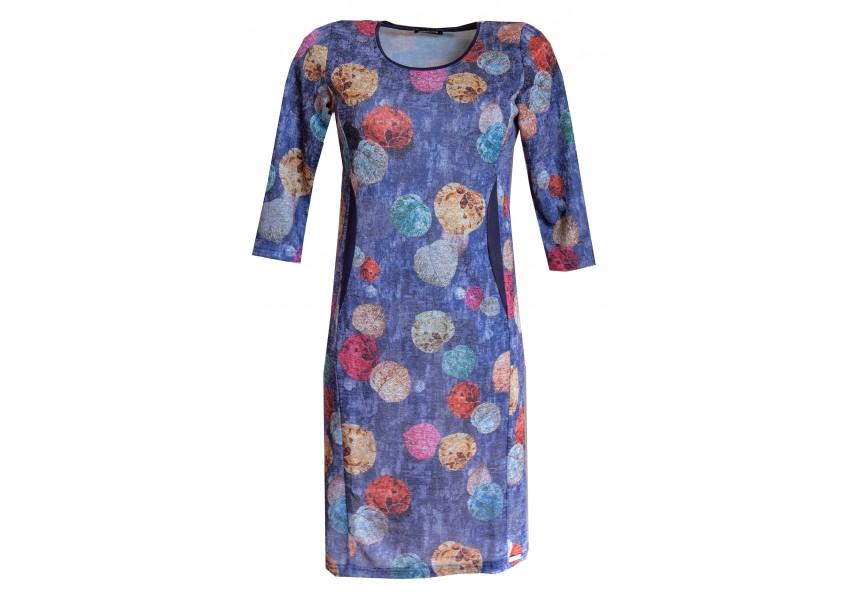 Teplejší modré šaty s tiskem