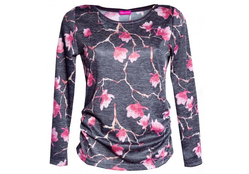 Tmavý svetr s růžovými květy