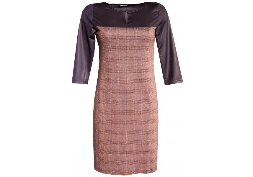 Kostkované šaty se sedlem