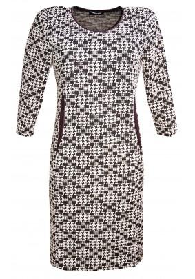 Teplejší šaty s černo bílým vzorem