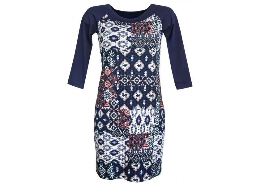 Šaty s lemovaným větším výstřihem