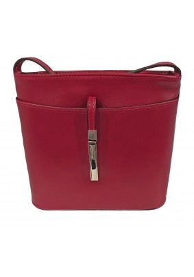Červená malá kožená kabelka
