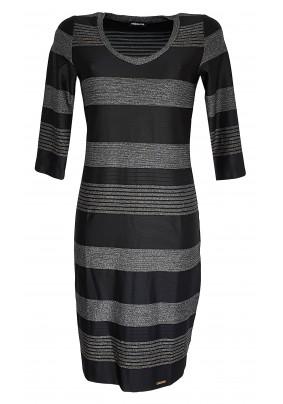 Černé elegantní šaty s jemně lesklými pruhy